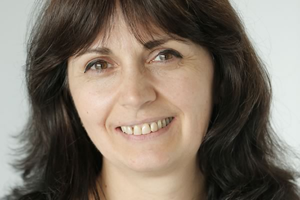 Dr. Svetla Nikova
